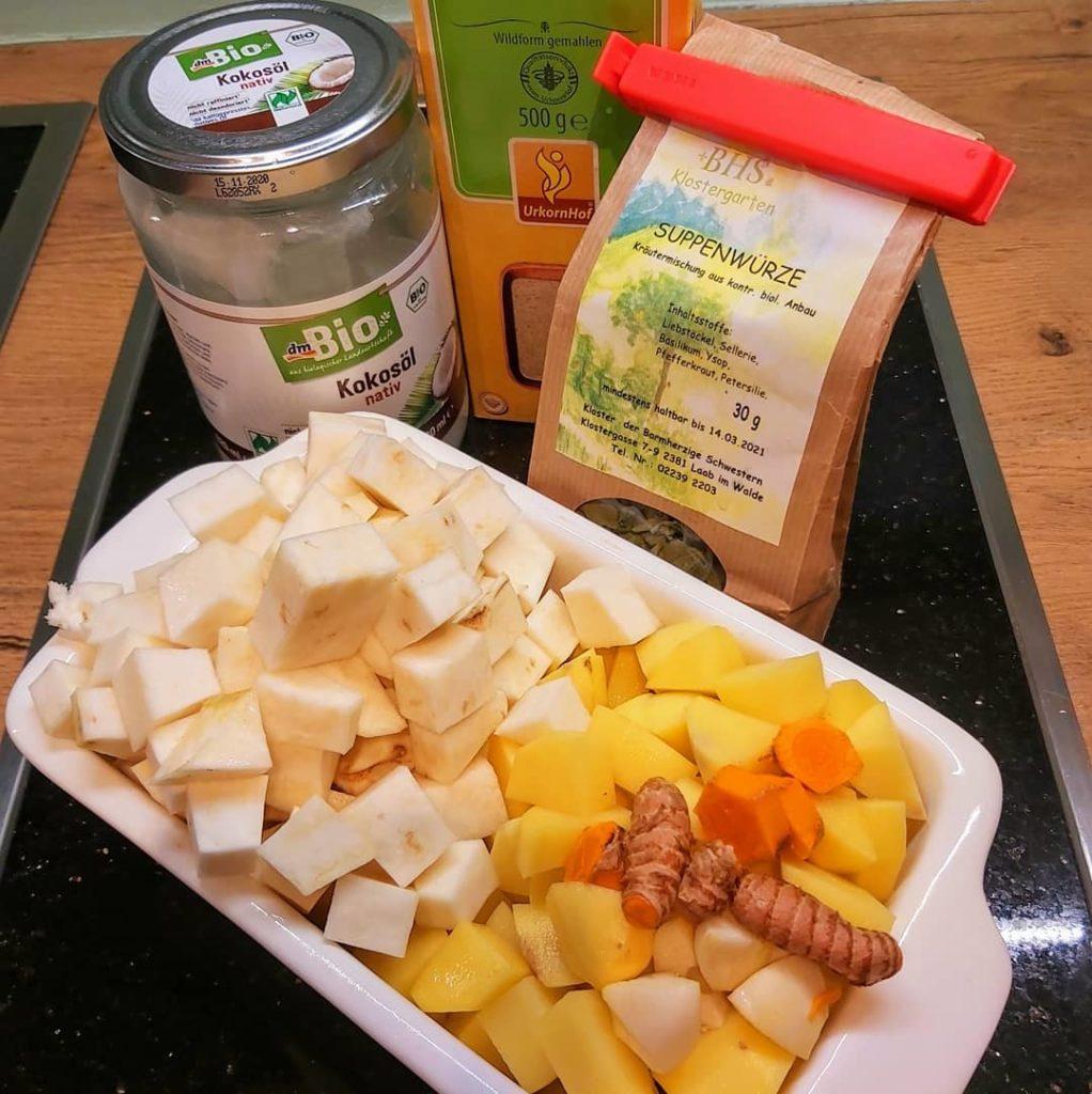 Kartoffel-Sellerie-Curcuma Suppe_Zutaten